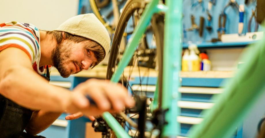 repair-bike-volunteerF